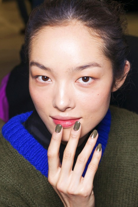 Prabal-Gurung-Fall-2013_Sally-Hansen-Loden-Green