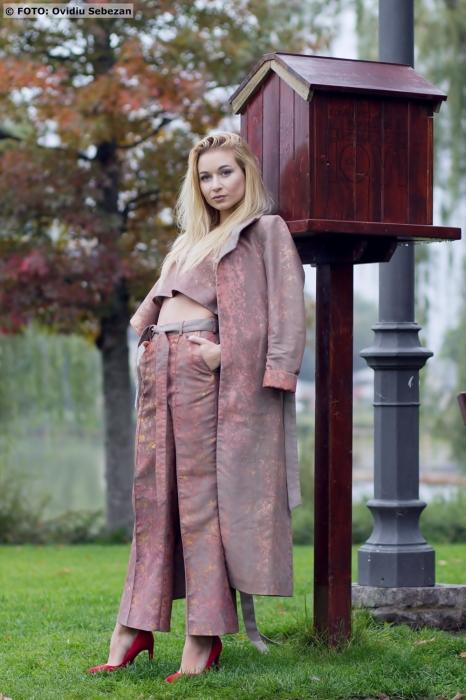 Isabela Teodor - La vita e bella