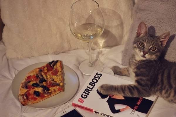 pizza, wine and a book